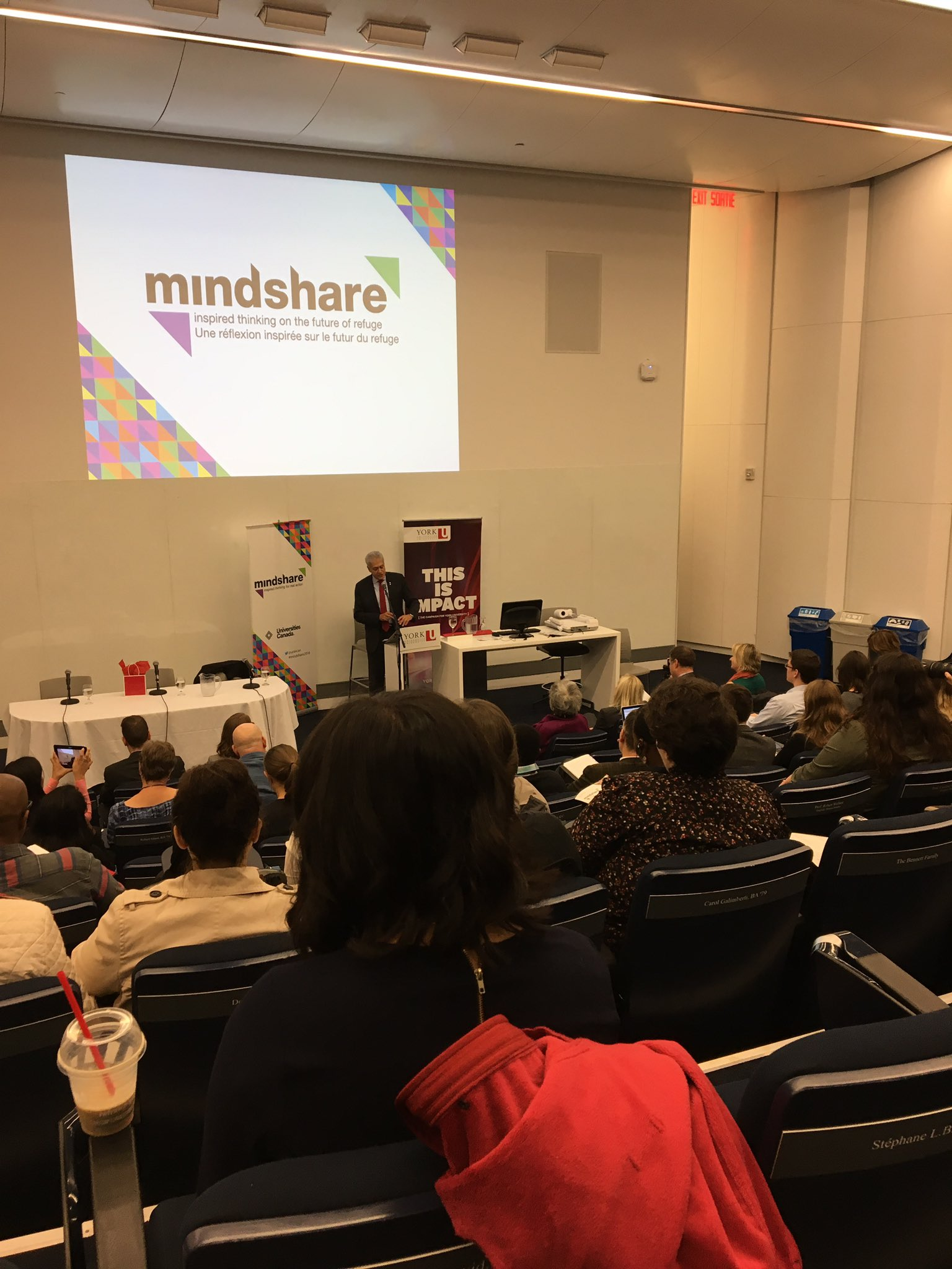 @YorkUPresOffice speaks about @yorku's role in advancing knowledge and scholarship in refuge #mindshare2016 @univcan https://t.co/Dn9E0TNJ2M
