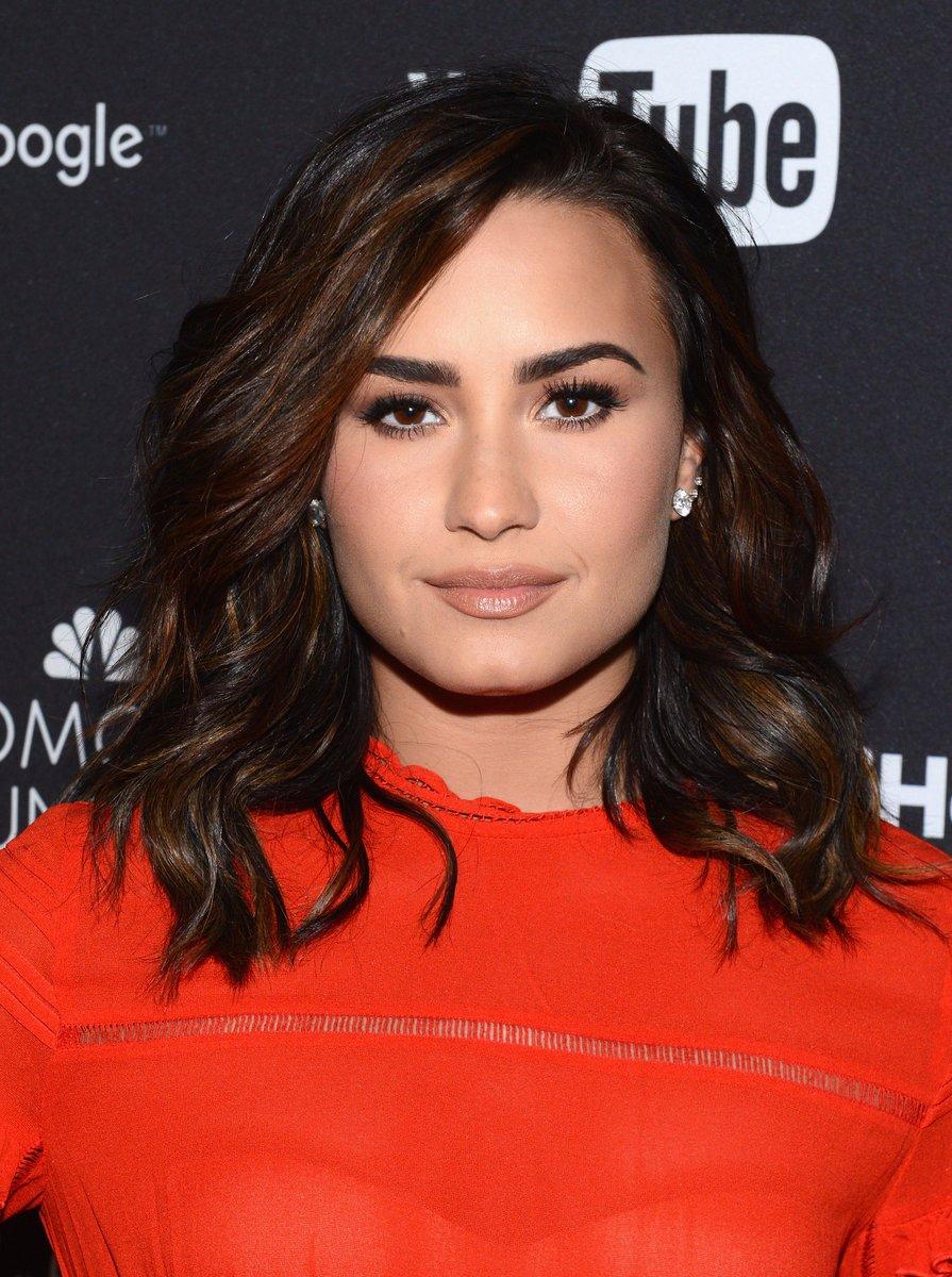 Demi Lovato faz visita ao Iraque apara ajudar refugiados https://t.co/HEx2Bq1G0H #MPN #Capricho