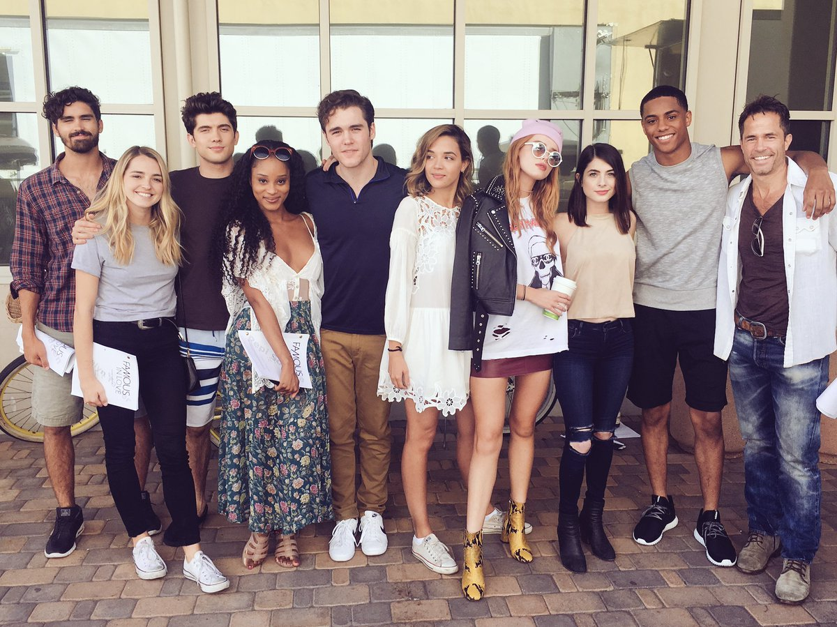 Famous in Love Actually https://t.co/FzK5Z6H8mF