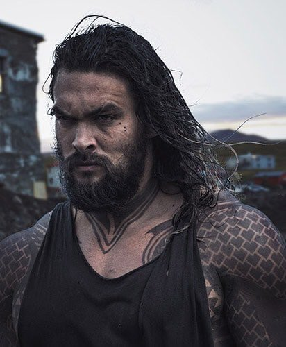 JUSTICE LEAGUE: New Official Image Of Jason Momoa As ...
