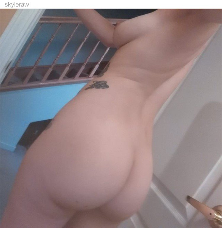 Nude Selfie 8904