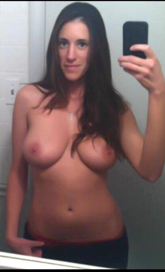 Nude Selfie 8920