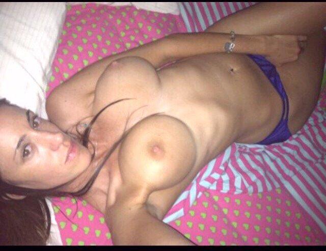 Nude Selfie 8923