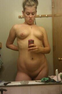 Nude Selfie 8935