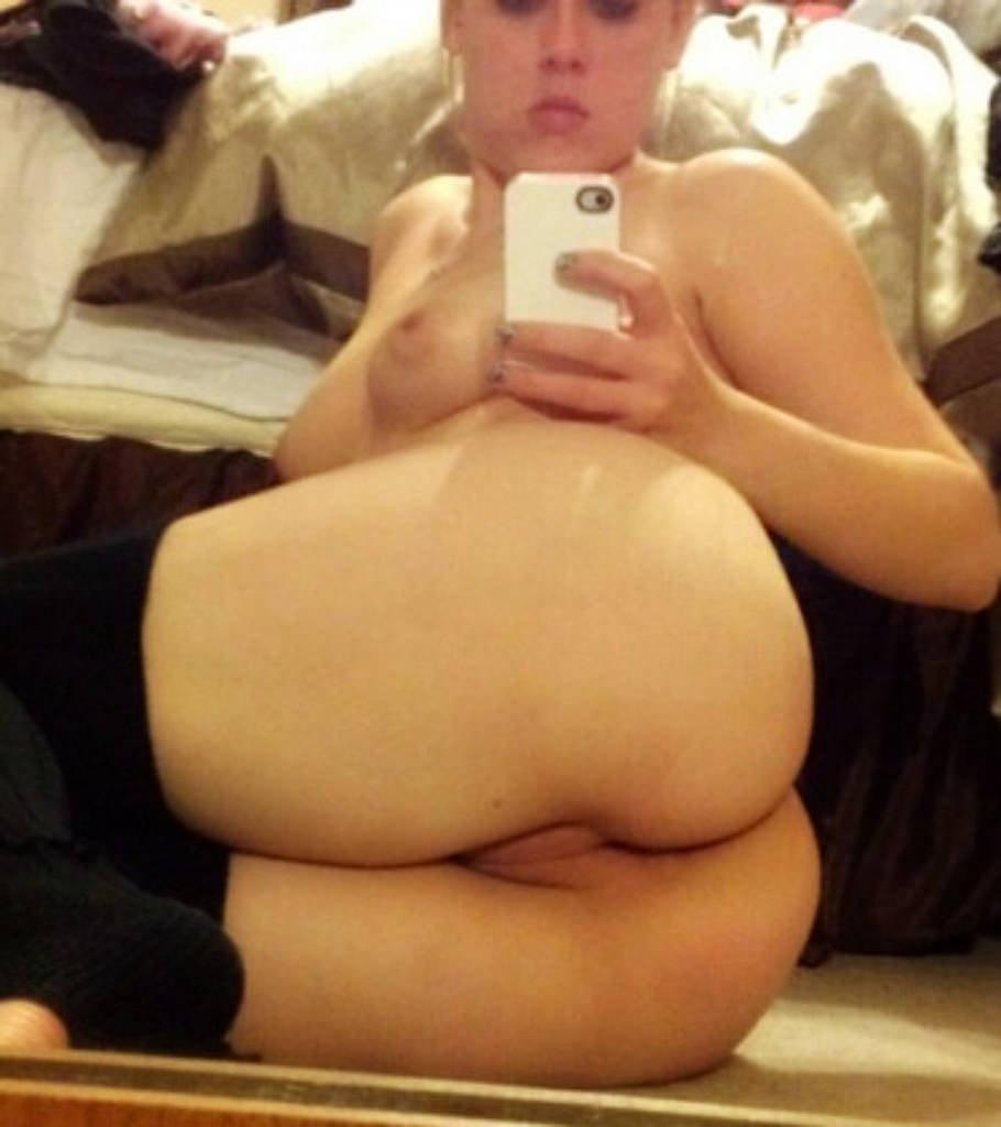 Nude Selfie 8937