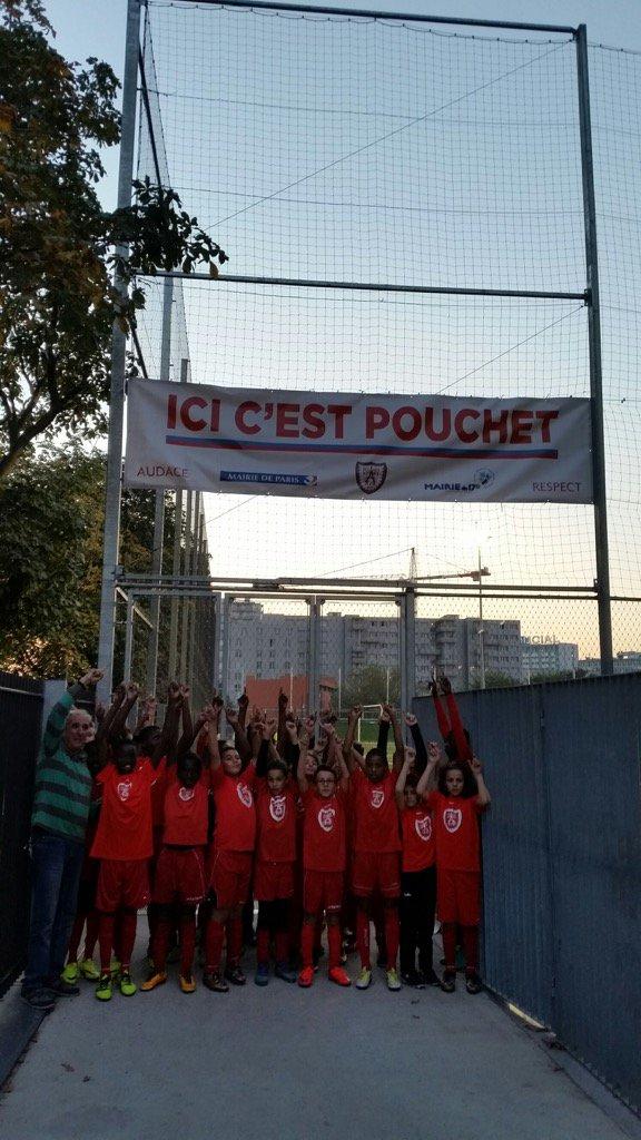 Ici c'est Pouchet @geoffroyboulard @brigitte_kuster @H_Charp banderole bientôt l'inauguration #mairie17 pic.twitter.com/ax2aDVoPC6