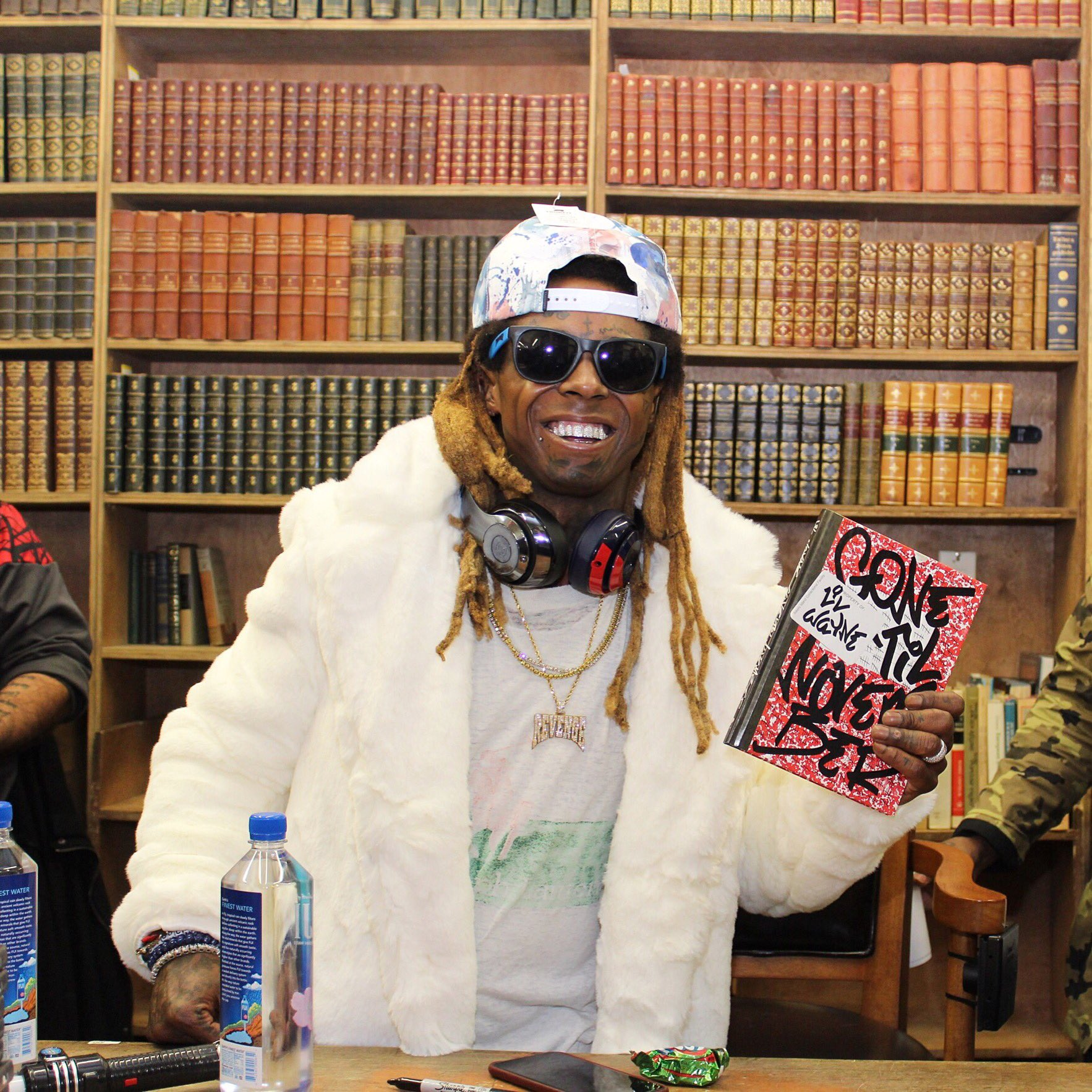 tfw you get to spend the afternoon w @LilTunechi 😁😁 https://t.co/mc8LG9a1lU