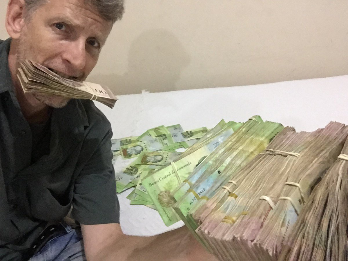 Change a single US$100 bill into Venezuelan bolivars and this is the stash you get.  https://t.co/06BVdolb0J https://t.co/Qlx2JF4sQn