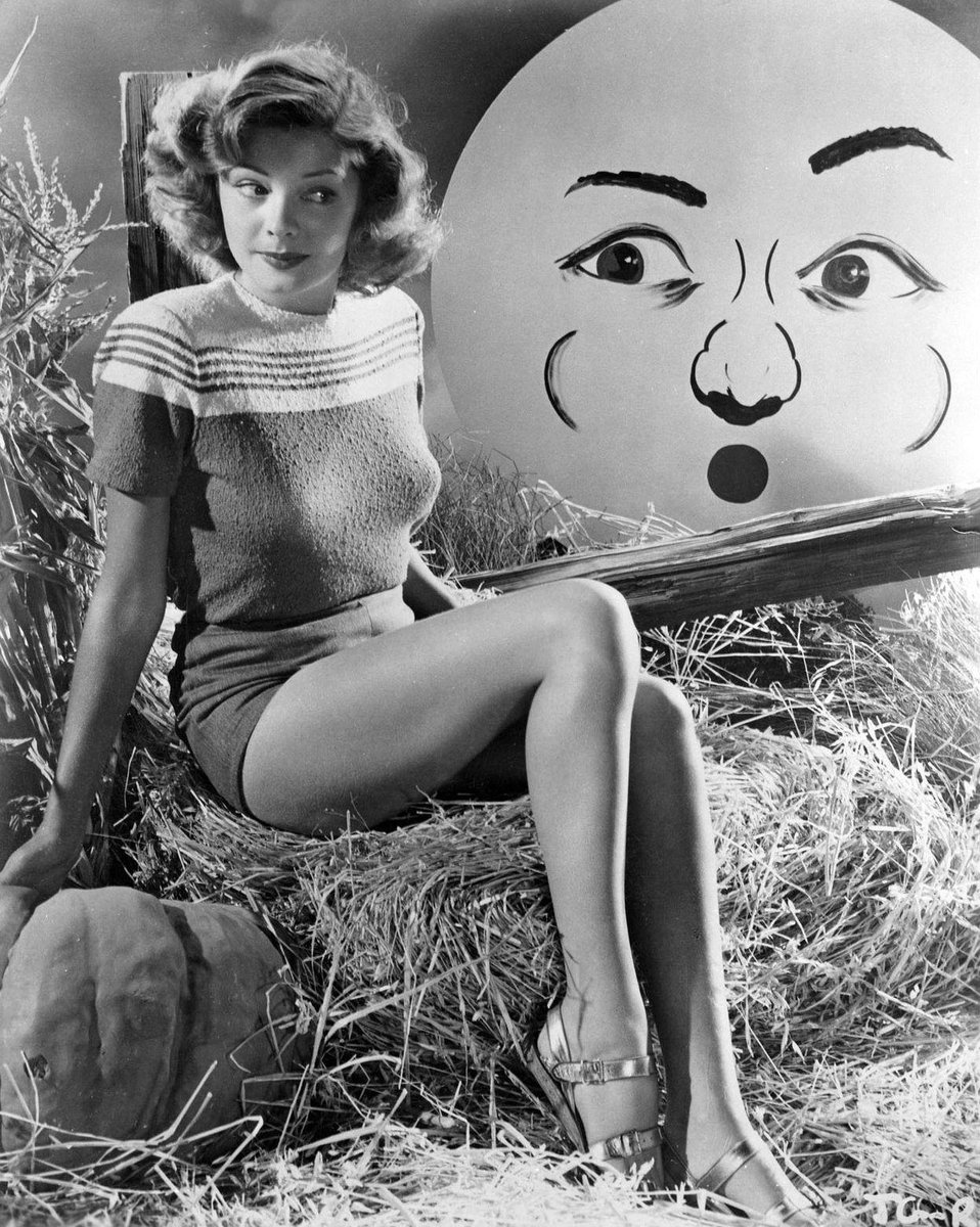 The Nitrate Diva On Twitter Day 11 Of Old Hollywood Halloween Countdown This Creepy Moon Better Watch Out Or Tough Noir Dame Jane Greer Will Kick Him