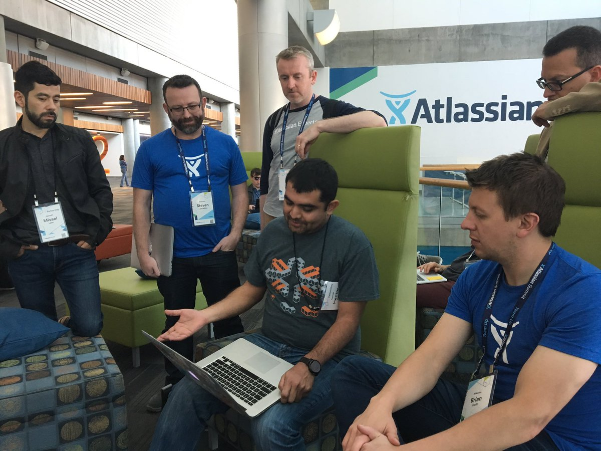 The @nearsoft LABS crew presenting our @planwcards add-on for @Confluence to the @atlassiandev team #atlassiansummit https://t.co/Vw6LhIfvGh