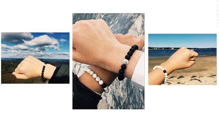 A couple with our Distance Bracelets that live 3,434 miles apart ⚪️⚫️❤️ https://t.co/Wn4TeIzErD
