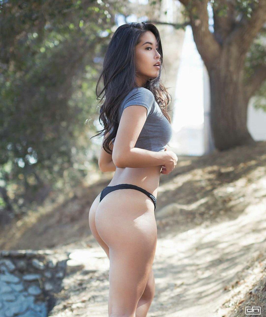 Vanessa Ass 10
