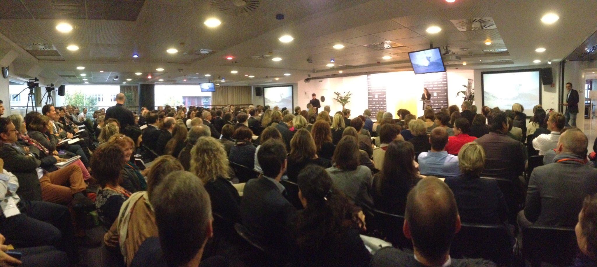 Le #forumRH de Nantes commence par des rires, merci @labelleboite ! https://t.co/CpVlDJy3cC