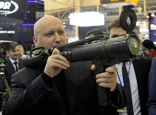 """Выставка """"Оружие и безопасность"""": вездеход """"Побеждающая Хунта"""", боевые роботы, гламурный пистолет """"Форт"""" и бронежилет-вышиванка - Цензор.НЕТ 8365"""