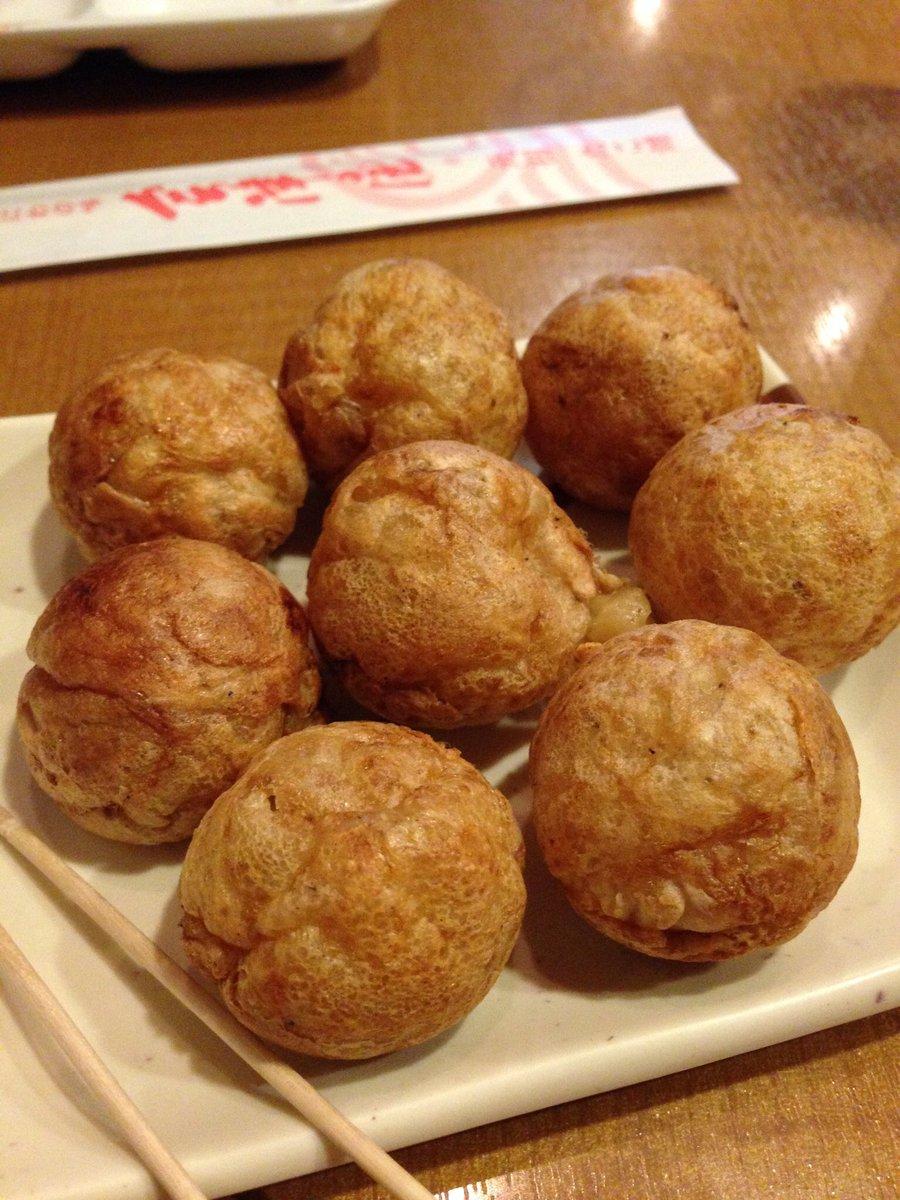@ayatanponpon 大阪でおすすめのたこ焼き屋さんは会津屋というお店です。元祖たこ焼き。ソースをかけずともんまいです!小さめなのでポイポイ永遠に食べられます!ぜひとも! https://t.co/aCikBdfdaC