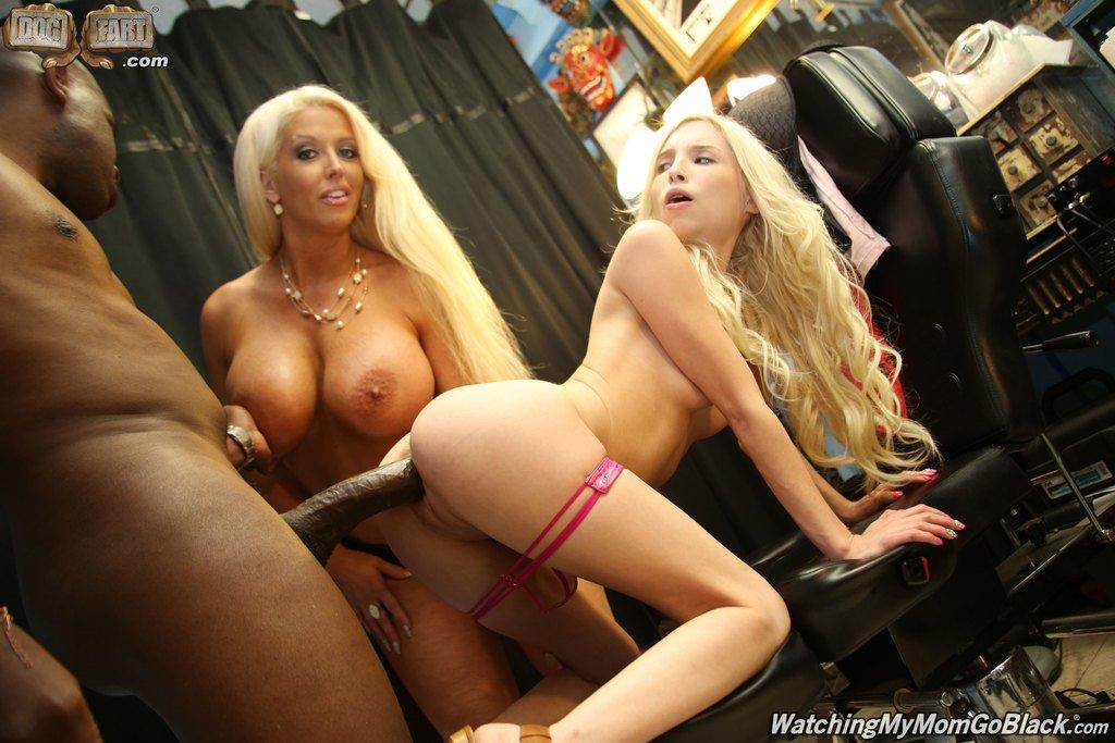 Piper perri blondes go black