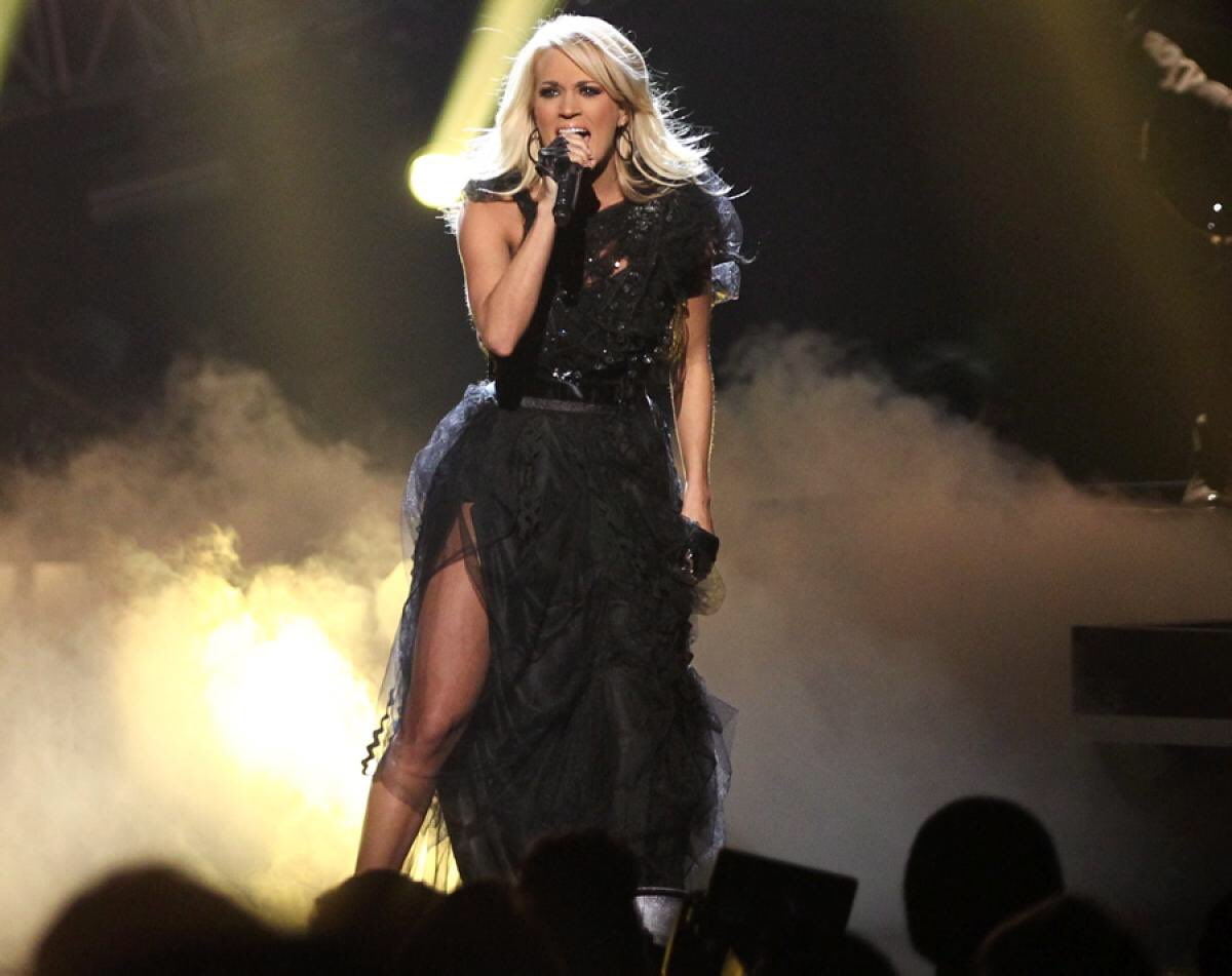I'm voting for @carrieunderwood Favorite Female Artist - Country #AMAs https://t.co/C62OpZ5GLs