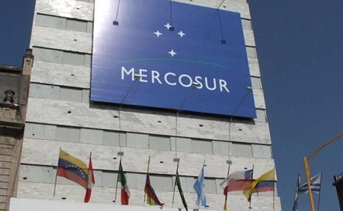MERCOSUL suspende Venezuela por não cumprir normas do bloco