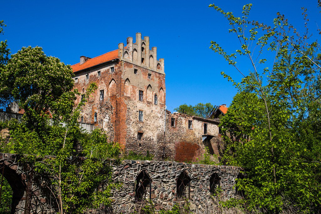 замок георгенбург фото нужно помочь