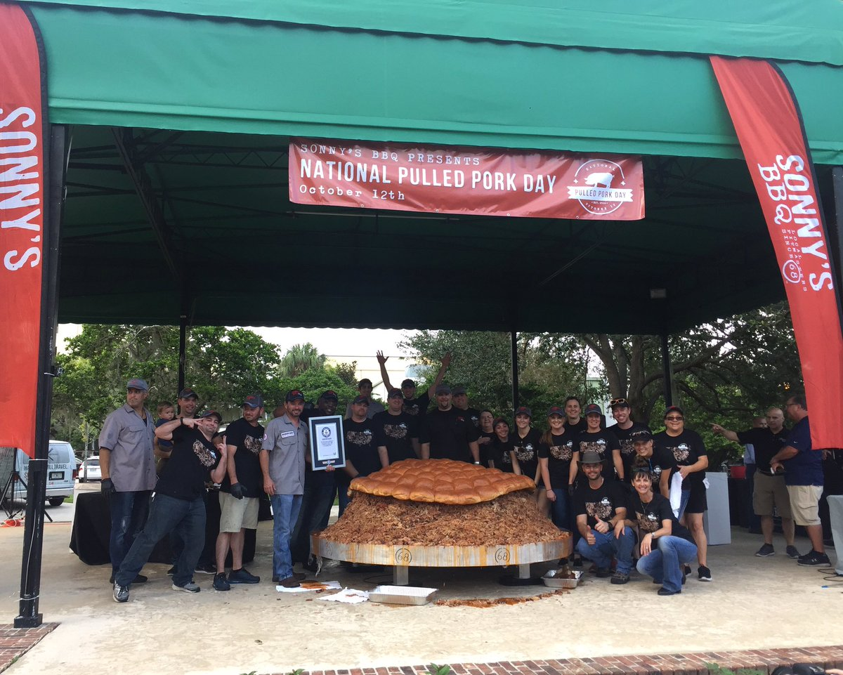 We broke the record for the world's Largest Serving of Pulled Pork! This beauty weighed in at a total of 2,012 lbs. https://t.co/yd9dN9oVSa