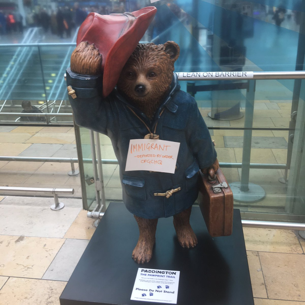 Another job-stealing immigrant at Paddington station this morning. Thank goodness the government is sorting this ou… https://t.co/5YonADxtwG