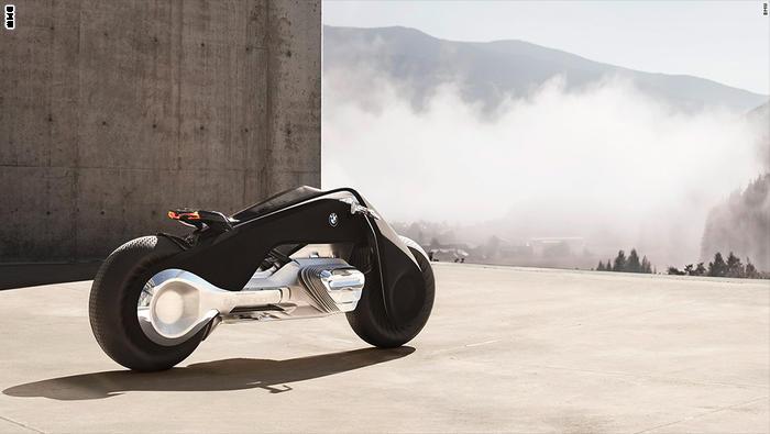 توازن ذاتي وأجهزة استشعار للحوادث_ هذه دراجة المستقبل النارية من BMW
