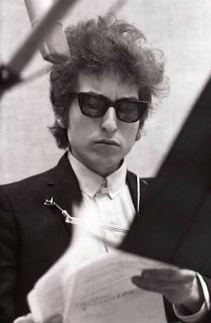 Bob Dylan wins the Nobel Prize in literature. Can we just talk about only this for a while? https://t.co/mG8jYTElet