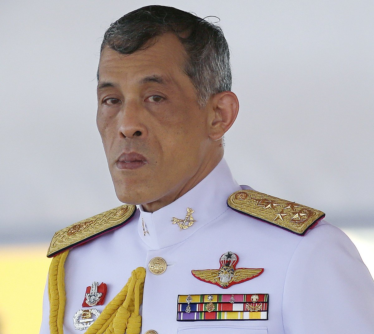 Thai PM says Crown Prince Maha Vajiralongkorn will be the new monarch https://t.co/fGGSlNlxNr https://t.co/9BpldEzVzL