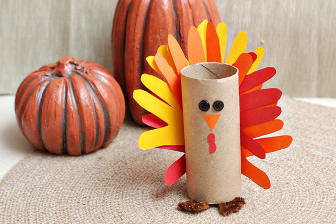 Gobble, gobble! Make a PaperTube turkey craft: diy