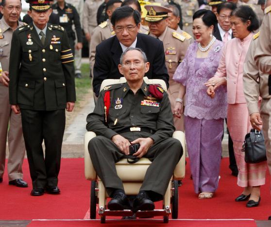 BREAKING: White House offers 'heartfelt condolences' on death of Thai king; Obama calls him 'tireless champion' of… https://t.co/KAFBsSy4YV