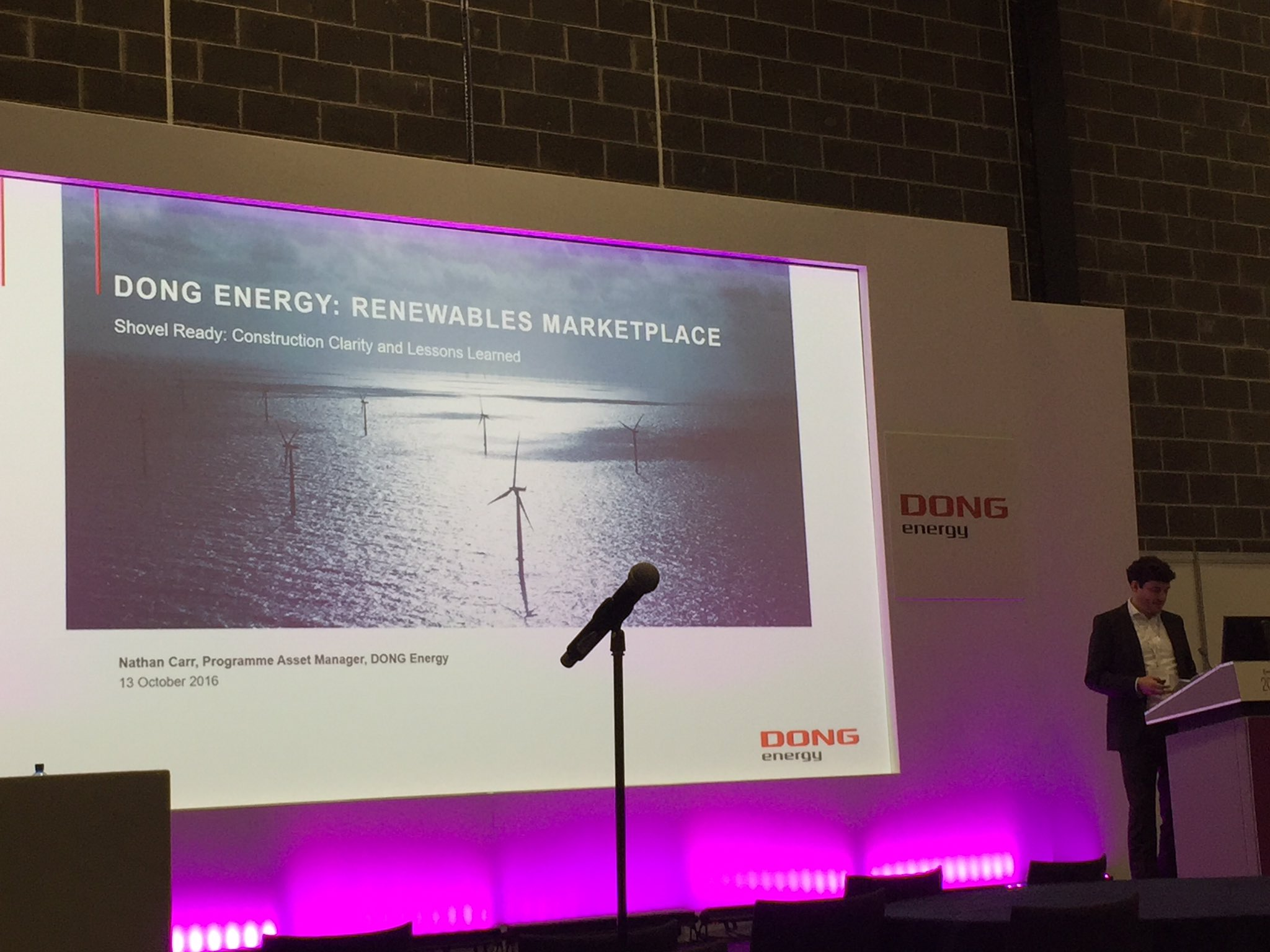 Nathan Carr from @DONGEnergyUK speaking about construction lessons learned in #offshorewind at #RUKMARKET16 https://t.co/8KTu0ICV4m