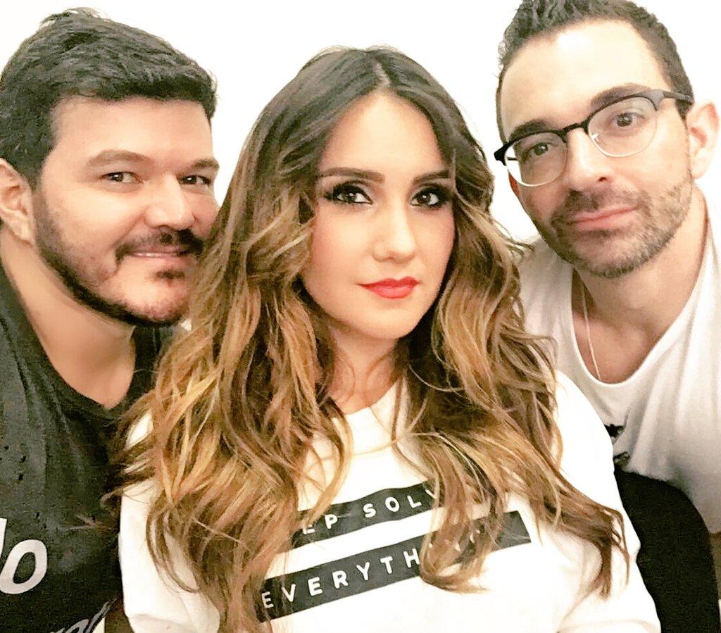 Grabacion con @DulceMaria  Make up @ger_parra #PelazoFertz @Fertz_P https://t.co/XL3aGnMsaG
