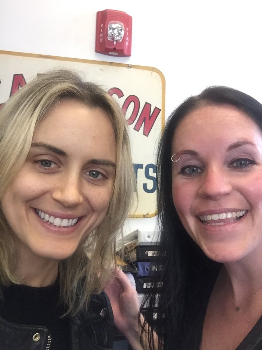 Stoked to have had @TaySchilling at #yournorthmarket today! #oitnb #lifeincbus @OITNB https://t.co/lfHhMMXL4n