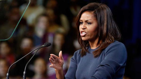 "Michelle Obama contro Donald Trump: ""vergognoso e intollerabile"""