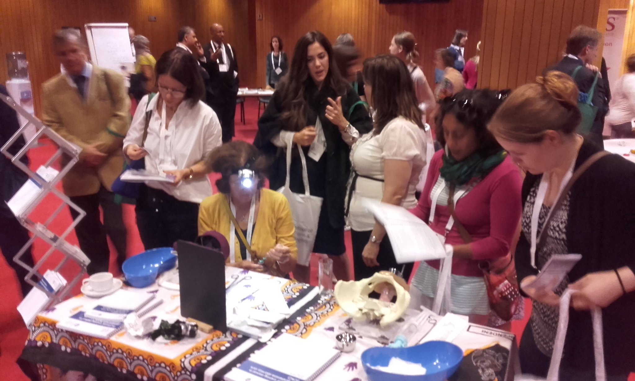 LeadingSafeChoices stand busy busy busy @RCObsGyn #FIAPAC2016 #abortionsaveslives #abortion #familyplanning #wetrustwomen https://t.co/PvBqMFu4xK