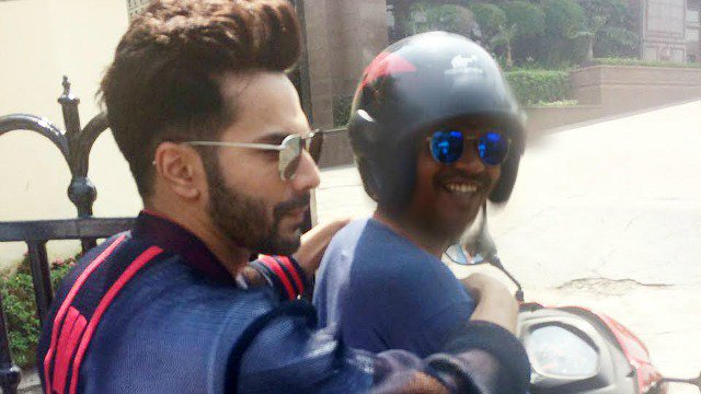 See Pictures: #VarunDhawan turns hitchhiker to beat the traffic! https://t.co/0NSq6LygW2
