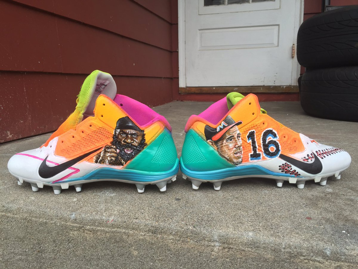 Antonio Brown's latest cleats are a tribute to Kimbo Slice and Jose Fernandez