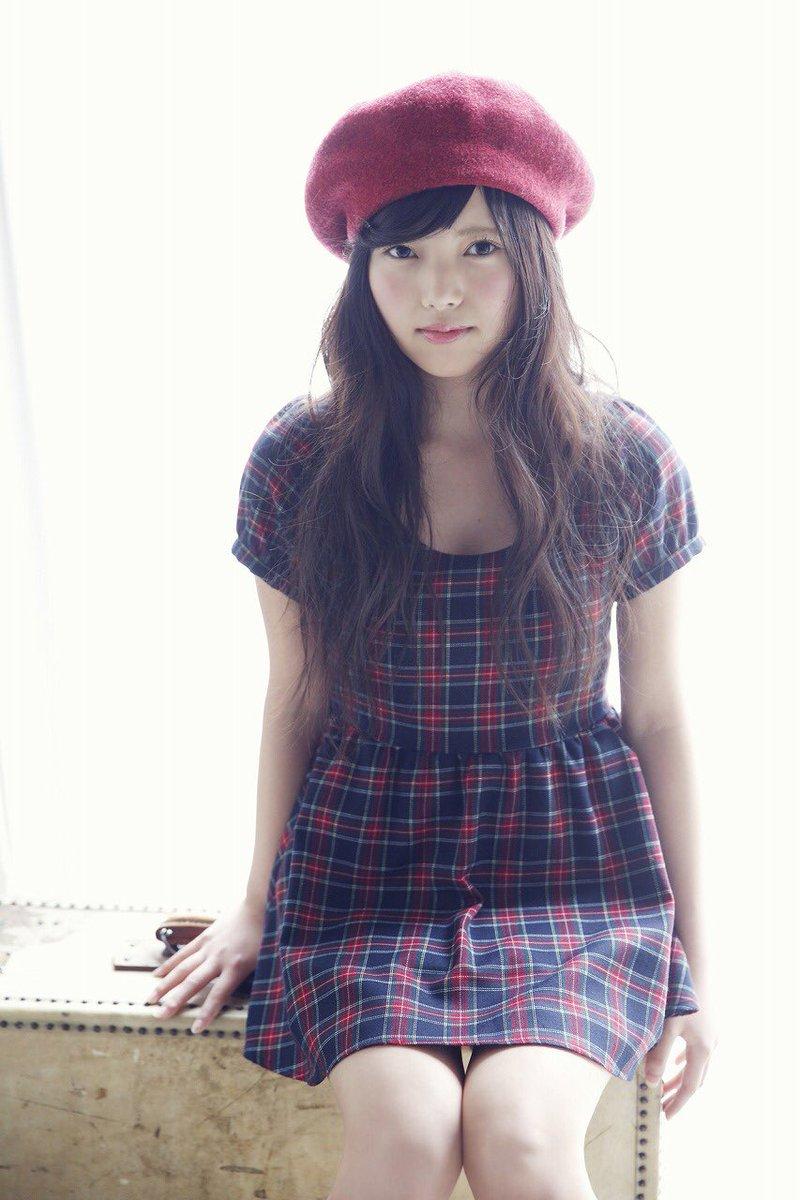 上村莉奈のベレー帽画像
