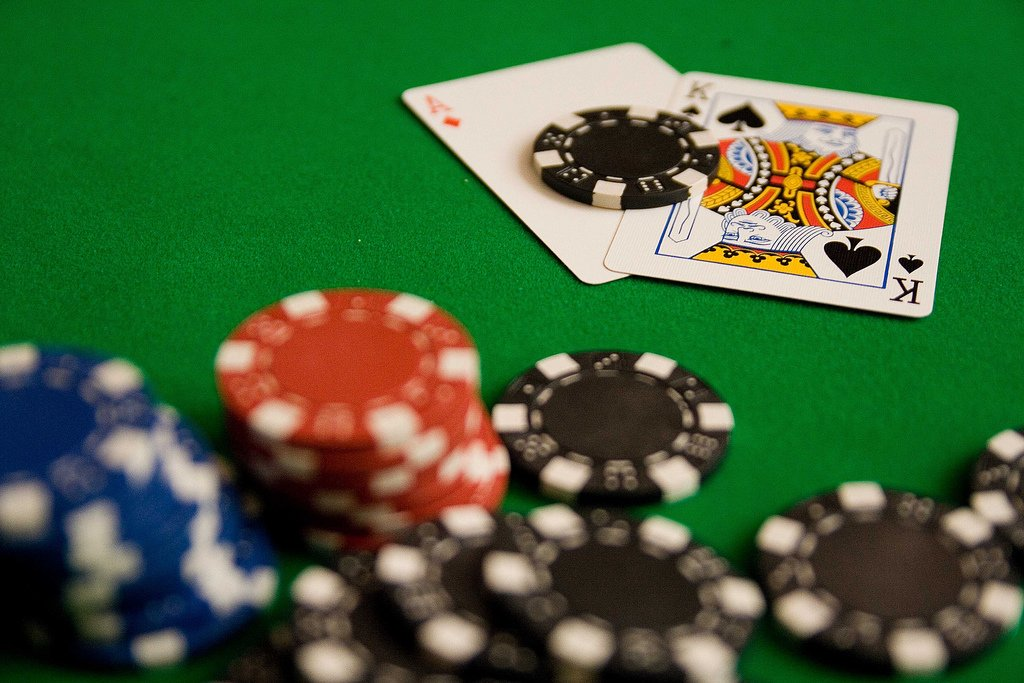 Ultimate texas holdem casino game