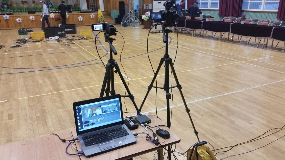 simply make your own HD #broadcasting system for your #schools #Conference #sports #schoolactivities #edtechchat #edtech #edchatpic.twitter.com/RByvRUL9Oz