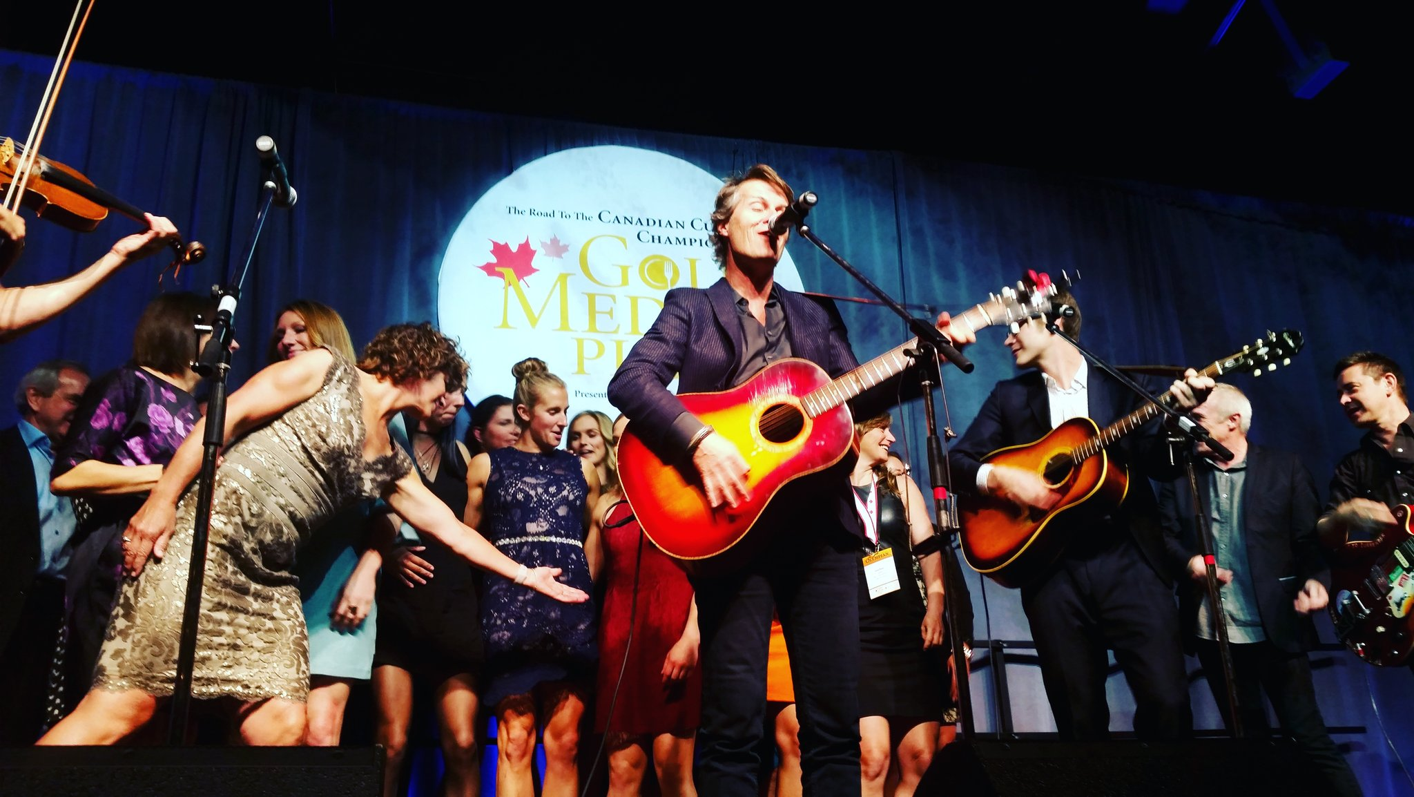 Great night @GoldMedalPlates #halifax @JimCuddy @TeamCanada @CBCOlympics #mygmp #champions https://t.co/3uxKrIyFMD
