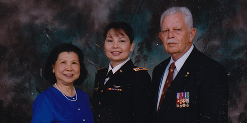 My mom is an immigrant and my dad and his family have served this nation in uniform since the Revolution #ILSEN https://t.co/ehEBHswFMs