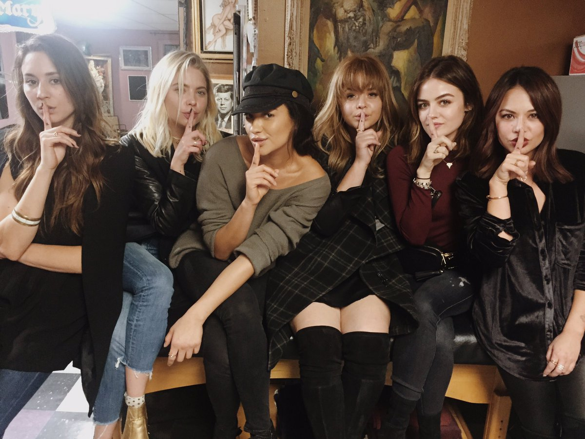 We got the SHH immortalized. #pllforever https://t.co/dPGzY4nWuO