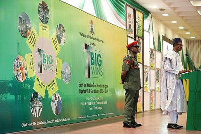 """Buhari attended the public presentation of the """"7 Big Wins"""" (a Short and Medium Term Priorities to Grow Nigeria's Oil and Gas Industry, 2015-2019)"""