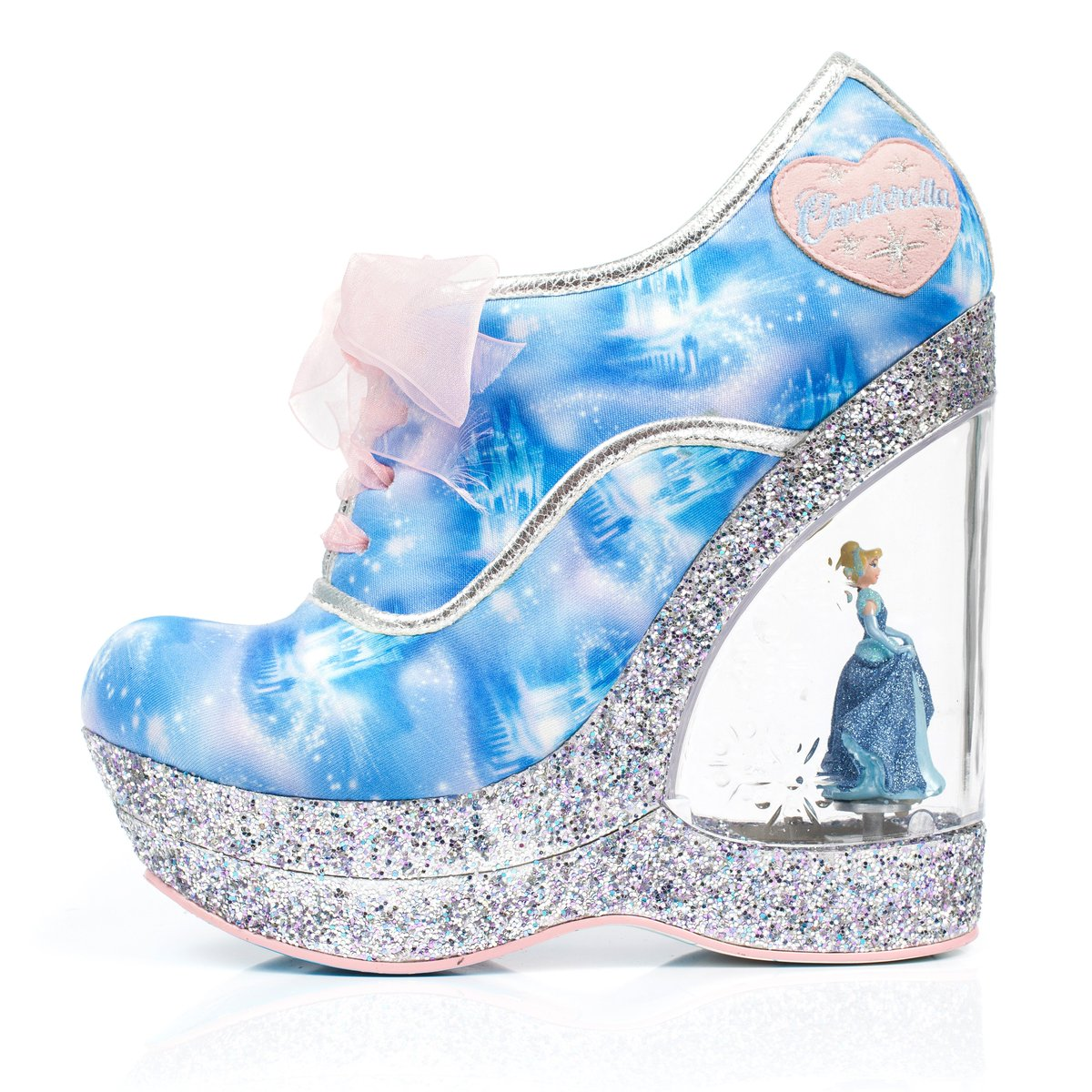 Our exclusive #Cinderella collections have arrived @TiltedSole_ https://t.co/vXxgPULtTC
