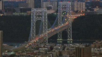 DEVELOPING: Both sides of the upper level of the GWB are closed by an apparent climber.