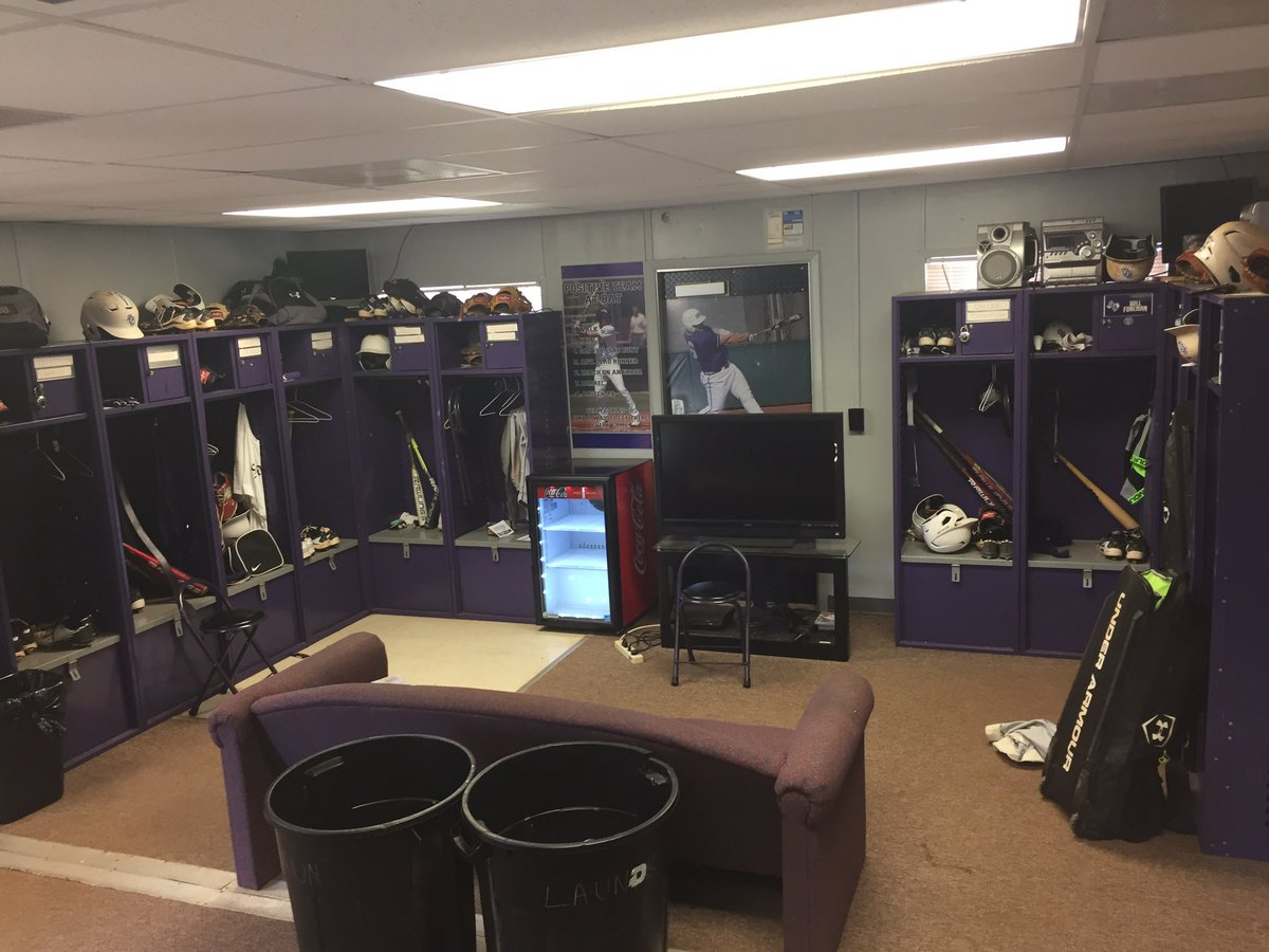 SFA Baseball Heres A Pic Of Their Locker Room Notice The Lack Showers Its Supposed To Hold 45 People Thisiswhyimvotingyespictwitter Sq21BBmXvF