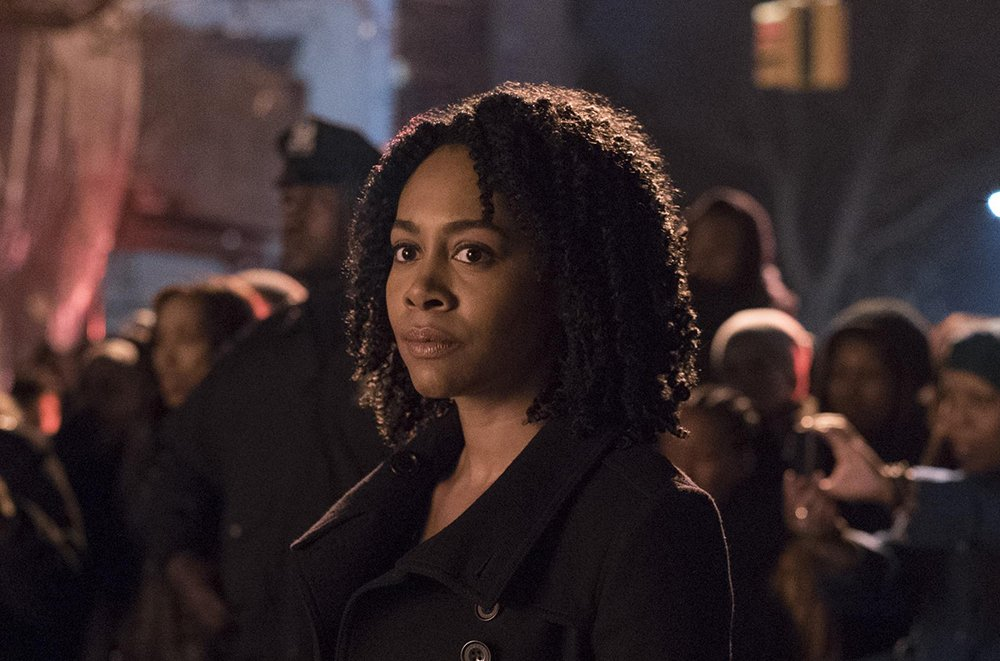 Detroit native Simone Missick is a hit in 'Luke Cage.'