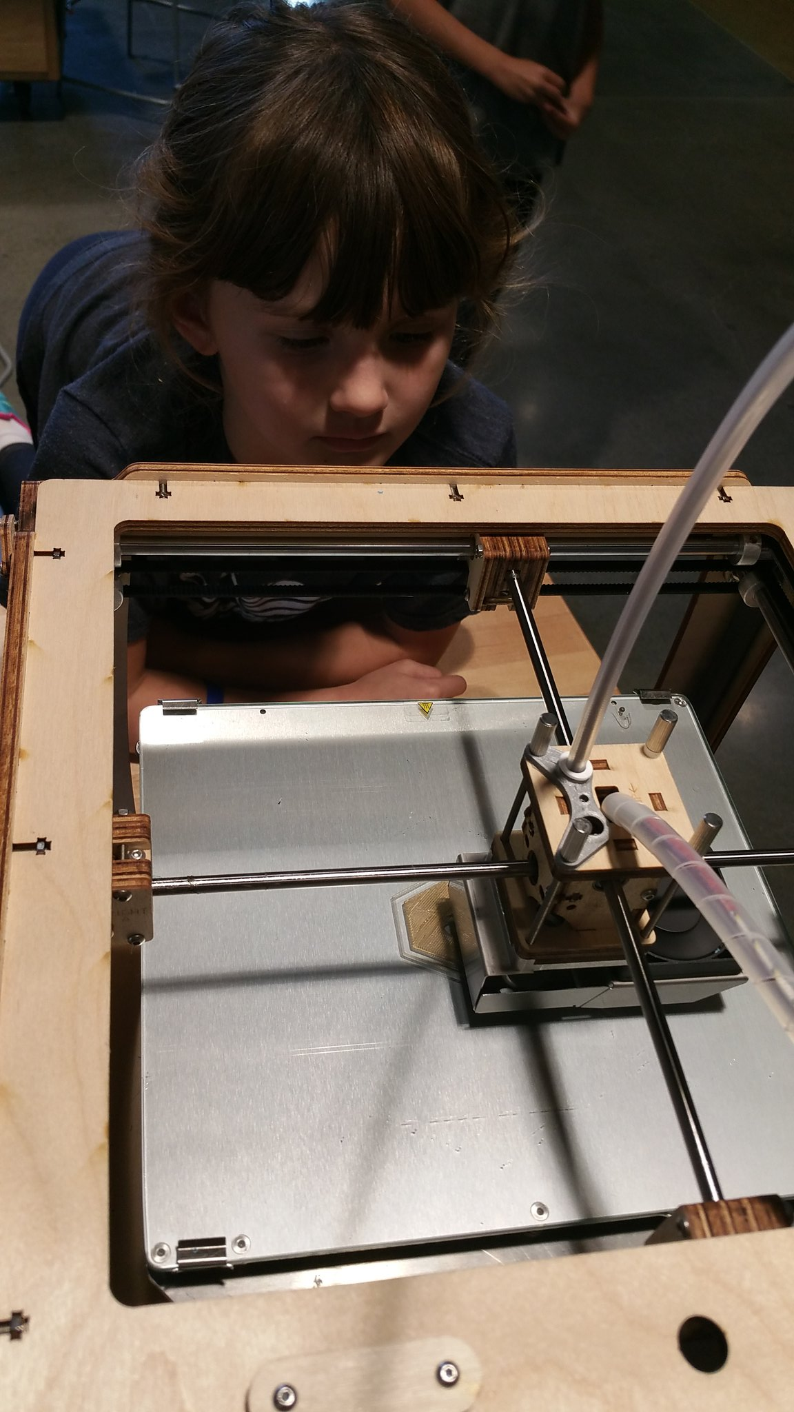 """""""3Dprinting is like writing. It starts with an outline and then colors in the details"""" #kidquote #MakerEd #elemaker #MVPSchool cc:@Ultimaker https://t.co/OxrkVy4ZhM"""