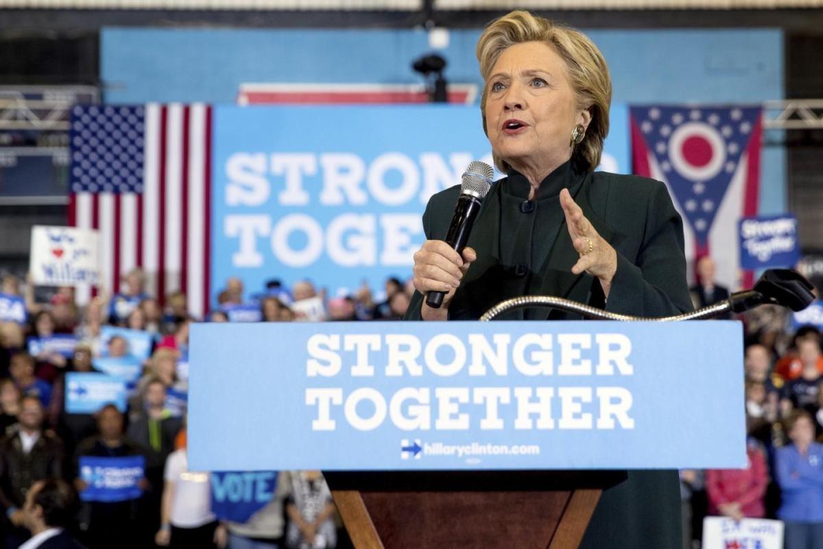 @HillaryClinton's lead over @realDonaldTrump narrows to 4 points